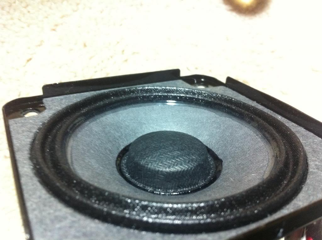 Bose SoundDock Series II internals - What's Inside