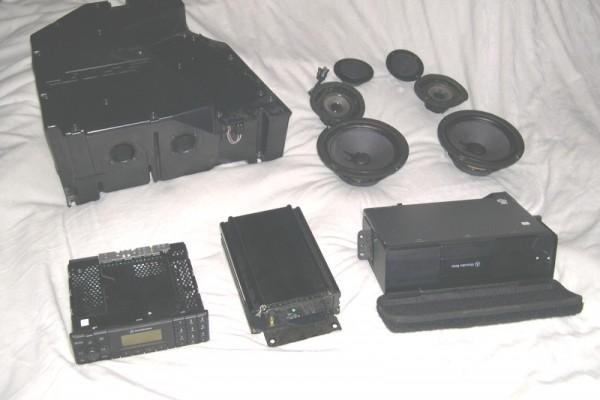 bose mercedes r129 sound system components what 39 s inside. Black Bedroom Furniture Sets. Home Design Ideas