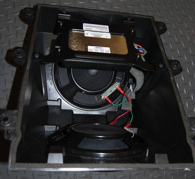 bose nissan gtr sound system subwoofer 1 what 39 s inside. Black Bedroom Furniture Sets. Home Design Ideas
