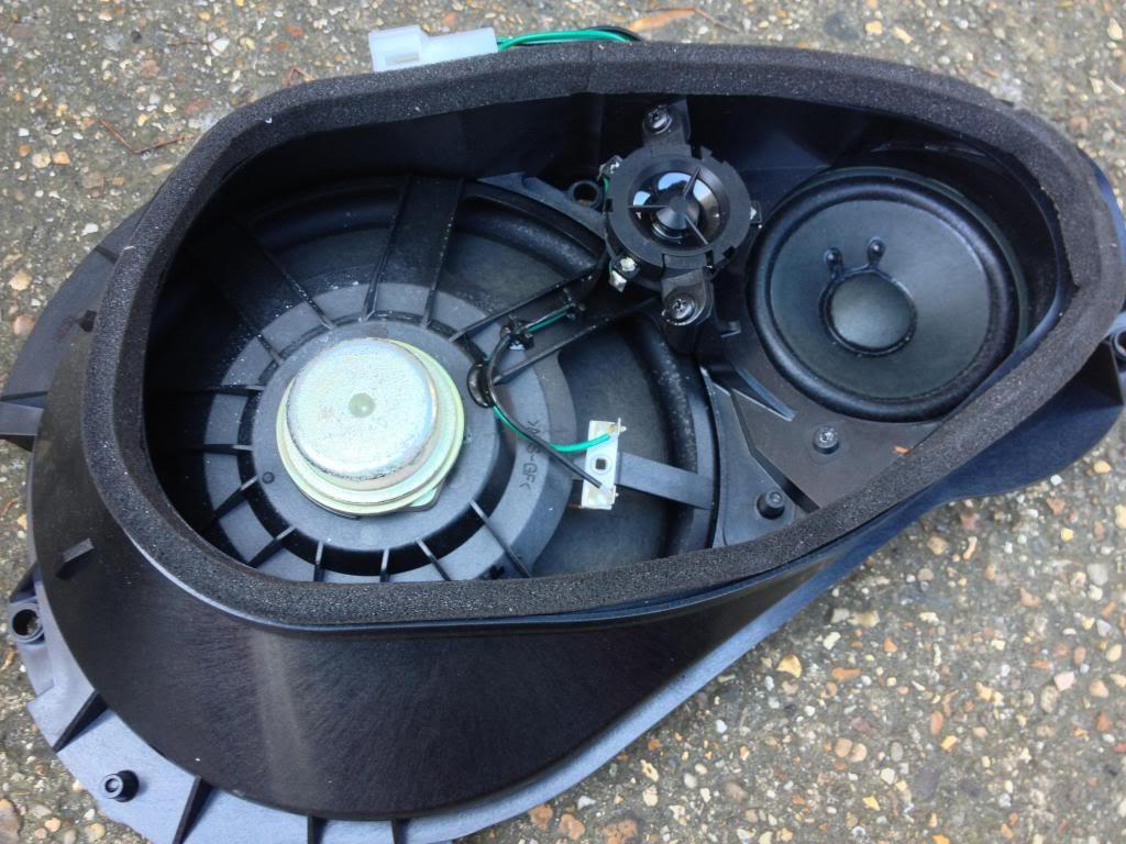 Stock Mercedes R230 Sl Speaker Assy 1 What S Inside